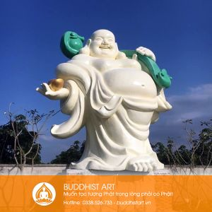 Tượng Phật Di Lặc cao 7 mét bằng composite
