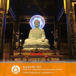 Tượng Phật Bổn Sư Thích Ca bằng xi măng cao 6 mét