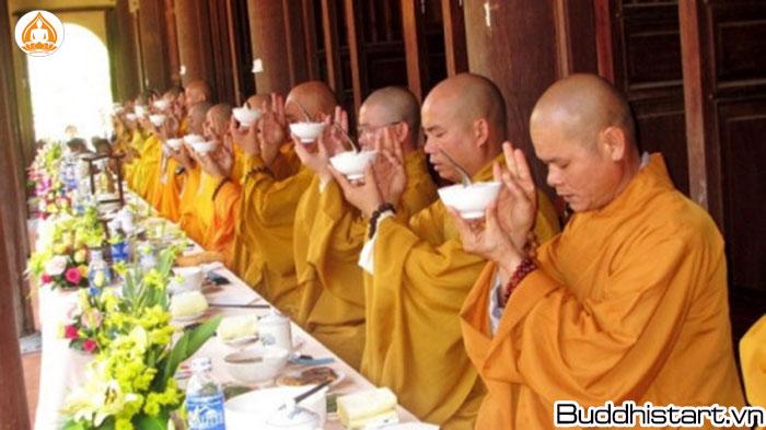Những điều cần biết về cúng dường trong đạo Phật