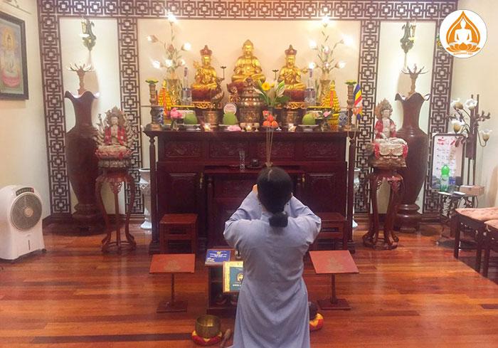 Nghi thức niệm Phật hàng ngày tại nhà