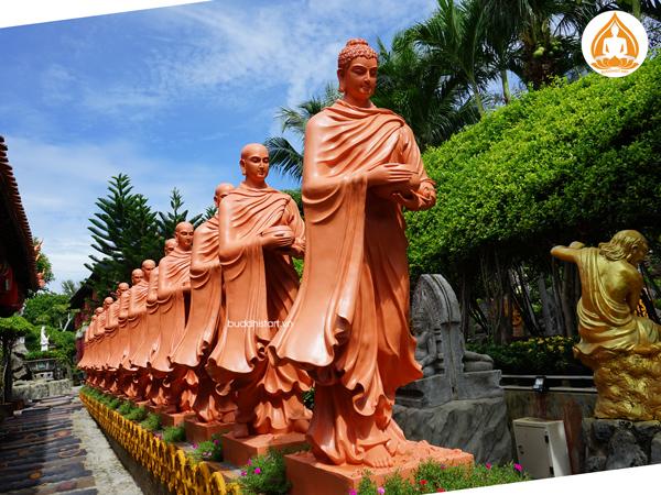 tuong-phat-bon-su-khat-thuc-doan-ti-kheo-8