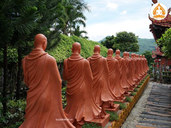 tuong-phat-bon-su-khat-thuc-doan-ti-kheo-9